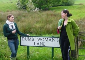two-dumb-women-and-a-sign